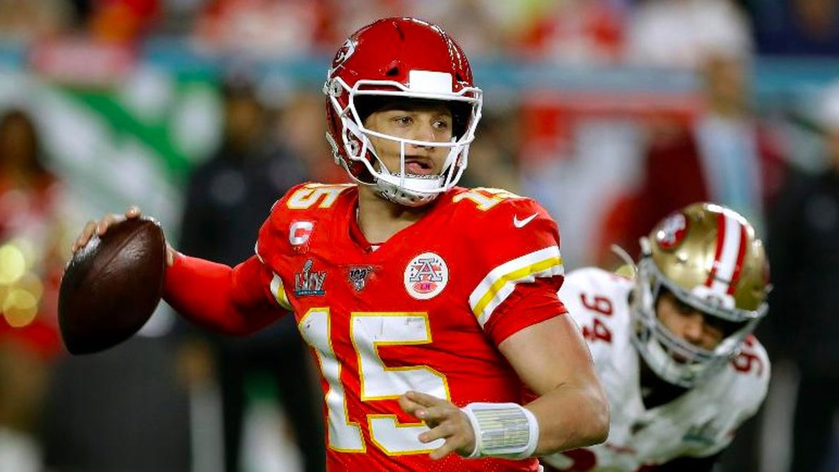 Kansas City Chiefs quarterback Patrick Mahomes drops back to pass against the San Francisco...