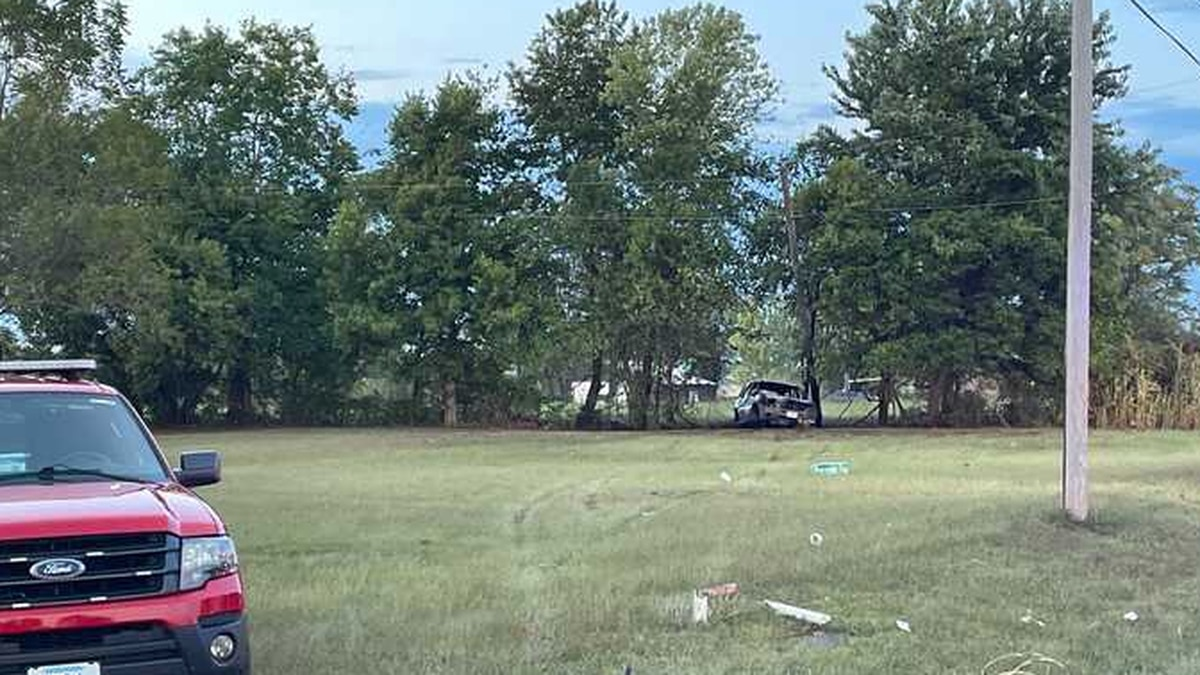 Officers responded to the crash in the 6 p.m. hour near U.S. 60 and State Highway MM.