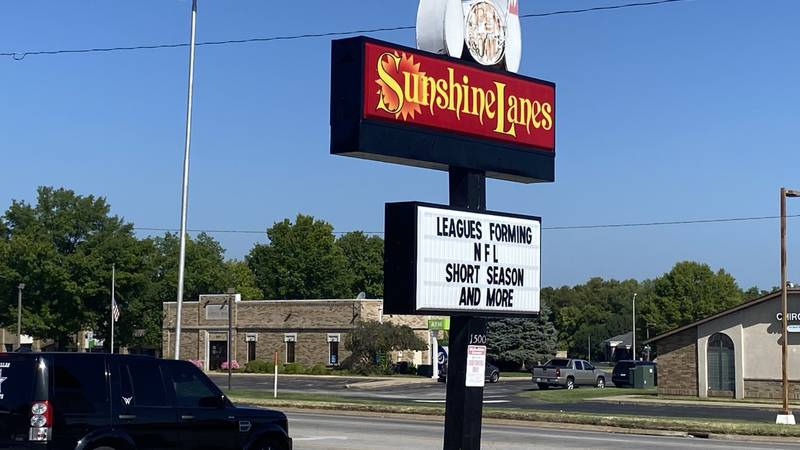 Sunshine Lanes in Springfield, MO hosts their Youth League Saturdays at 9 am.