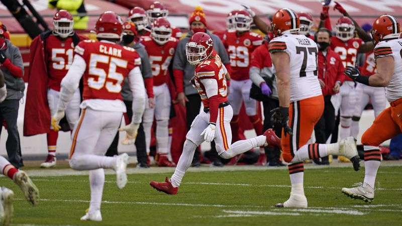 Kansas City Chiefs safety Tyrann Mathieu (32) returns an interception during the second half of...