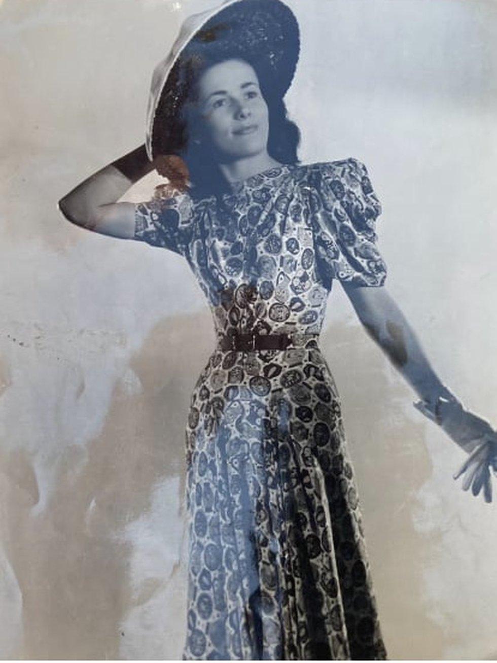 Jaqueline as a fashion model in Paris