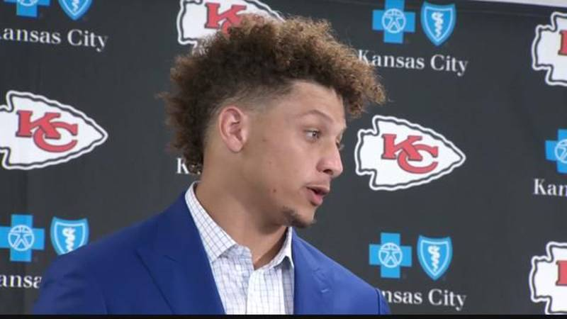 Mahomes Breaks Into NFL Records Book