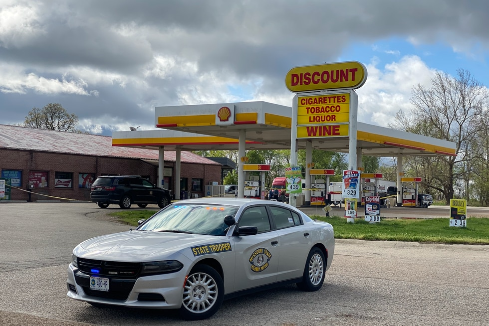 Police are investigating a shooting a convenience store in Koshkonong, Mo. that killed one, and...