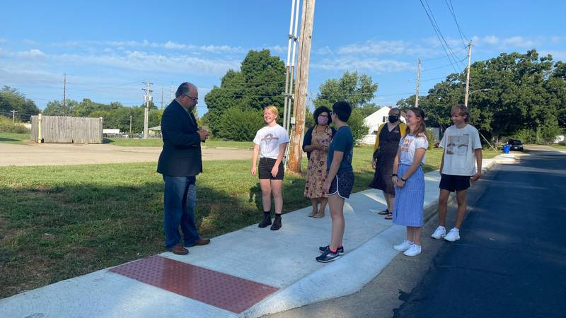 Lebanon High School students participate in unveiling