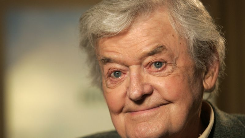 In this Jan. 22, 2008, file photo, actor Hal Holbrook poses for a photograph in New York.