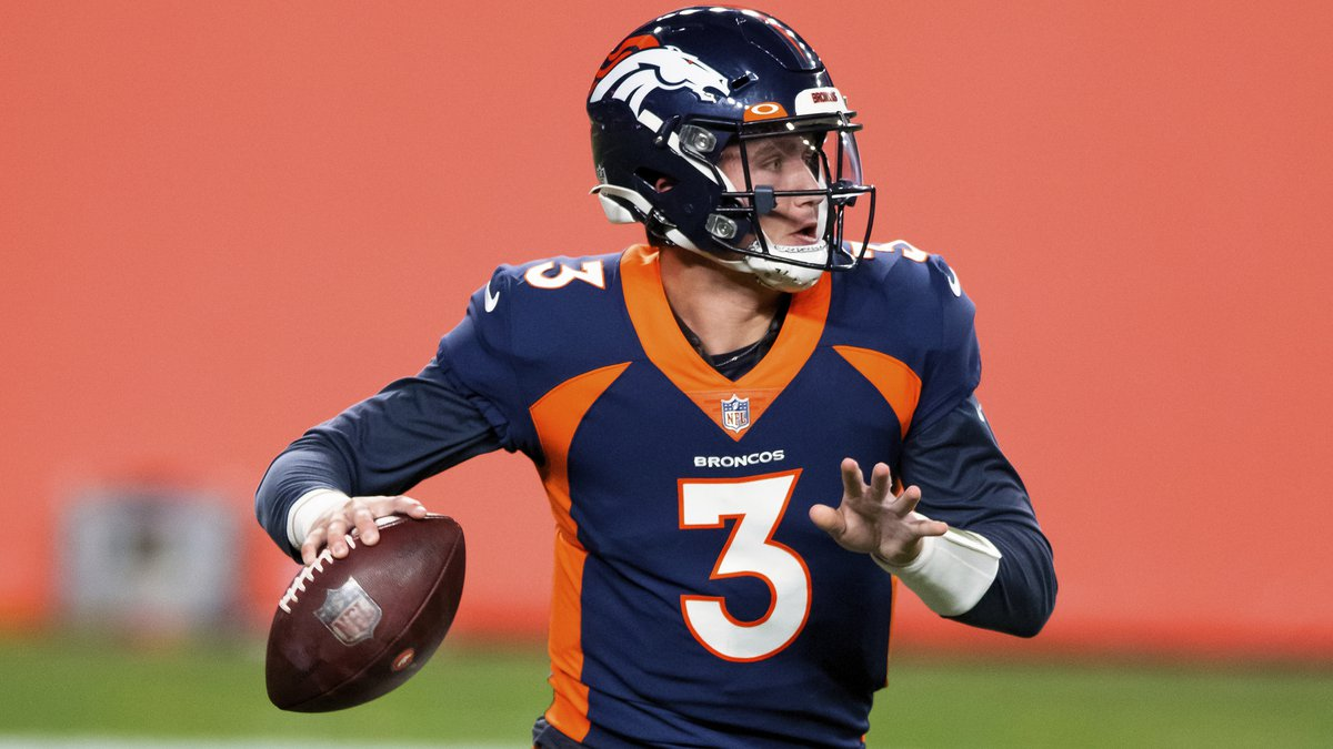 Denver Broncos quarterback Drew Lock (3) looks to pass against the Tennessee Titans during the...