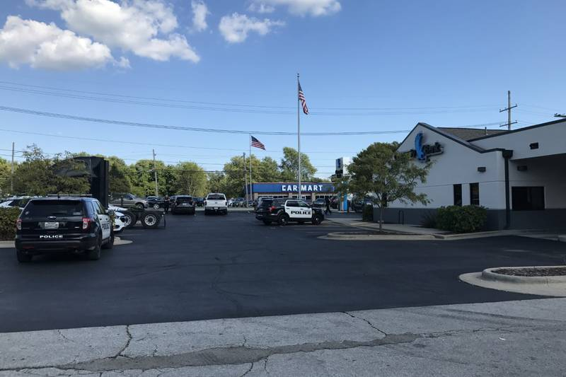 Police arrested a man in connection to a suspected bank robbery Friday afternoon in north...