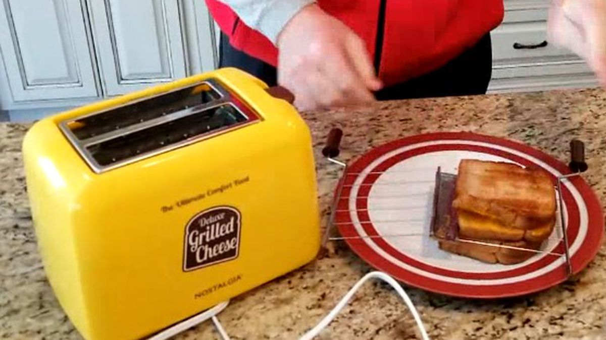 Try Before You Buy Deluxe Grilled Cheese Sandwich Maker