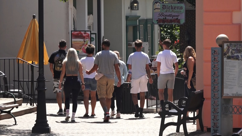 As the summer tourist season in Branson slows down, businesses say they are ending on a high...