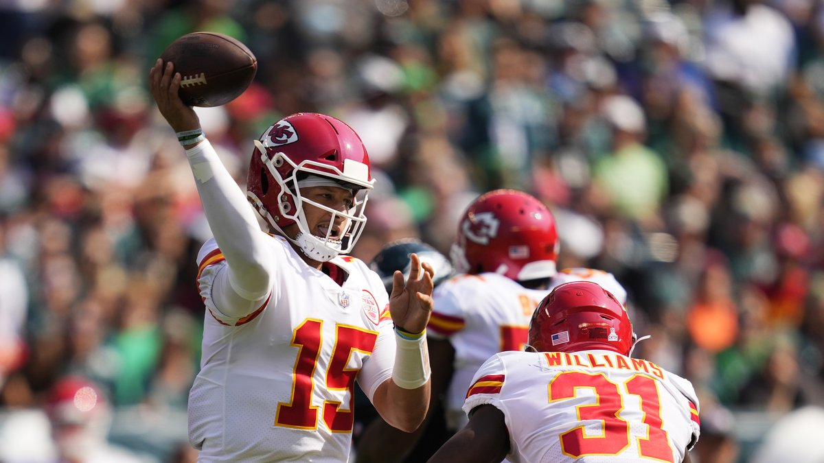 Kansas City Chiefs quarterback Patrick Mahomes (15) looks to pass during the first half of an...