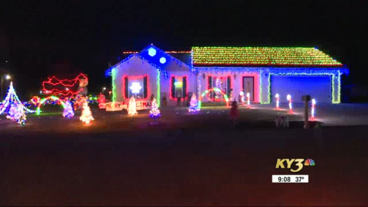 2021 Christmas Lights Springfield Mo West Plains Mo Christmas Light Display Spreads Holiday Cheer Wows Onlookers