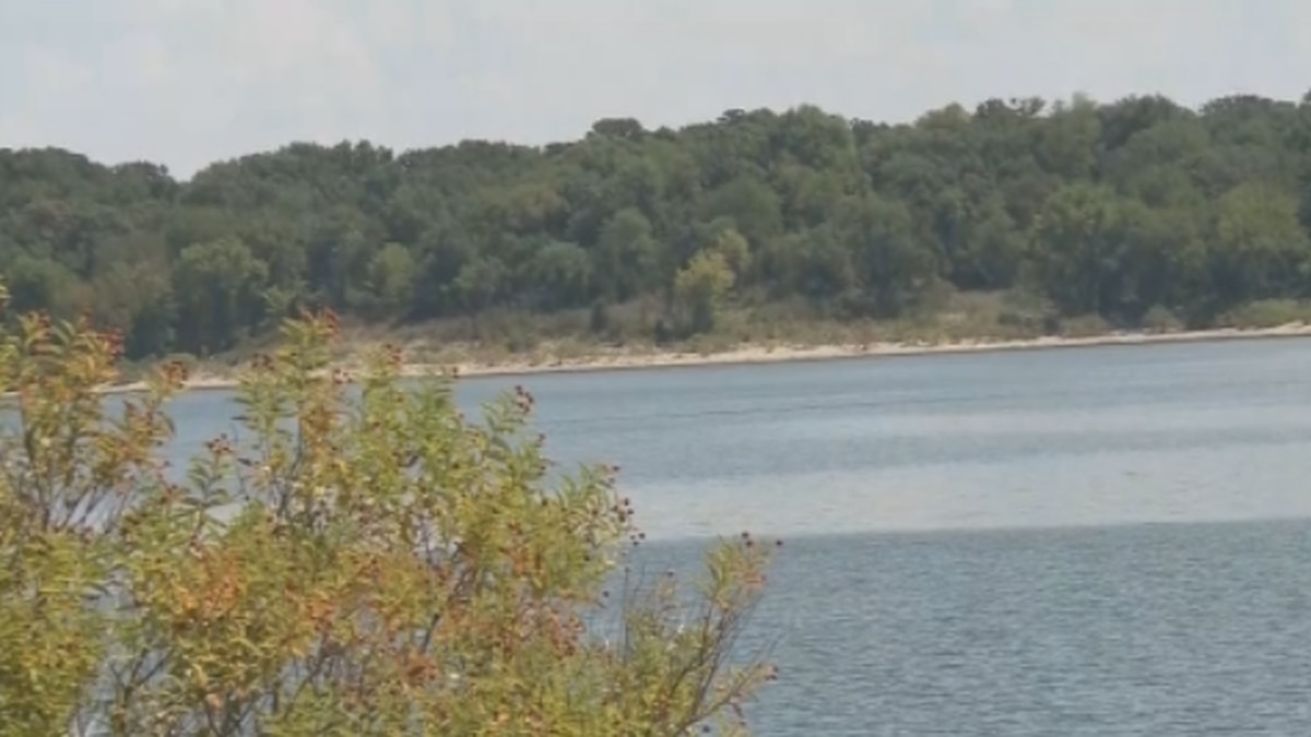 The Oklahoma Highway Patrol says a man found dead by Little Glasses Resort & Marina last week drowned after jumping off a nearby bridge.
