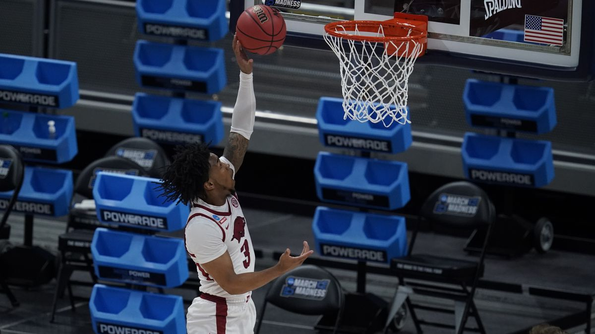 Arkansas' Desi Sills (3) puts up a shot during the first half of a first round game against...