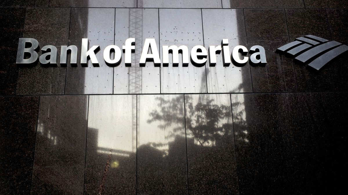 Bank of America customers are reporting $0 balances on their online accounts.