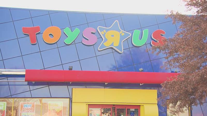 Toys R Us will also be opening in more than 400 Macy's stores nationwide starting in 2022,...
