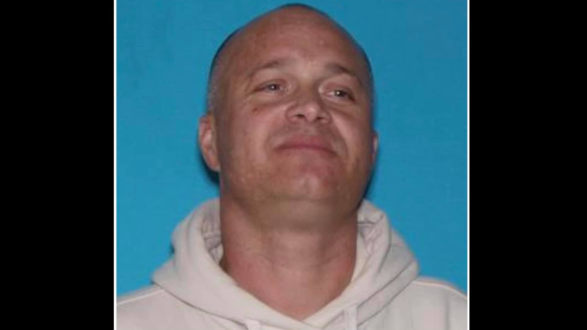 Jason Wayne Baker, 43, is wanted in an AMBER Alert investigation out of Reynolds County, Mo.