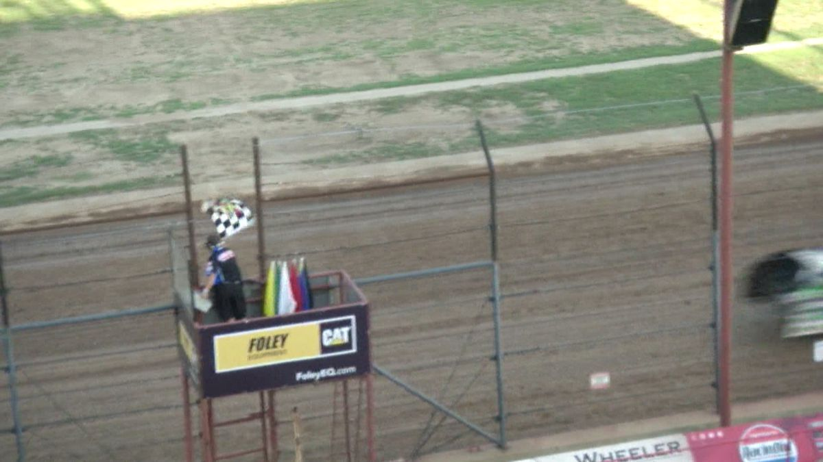 Finish Line at Lucas Oil Speedway