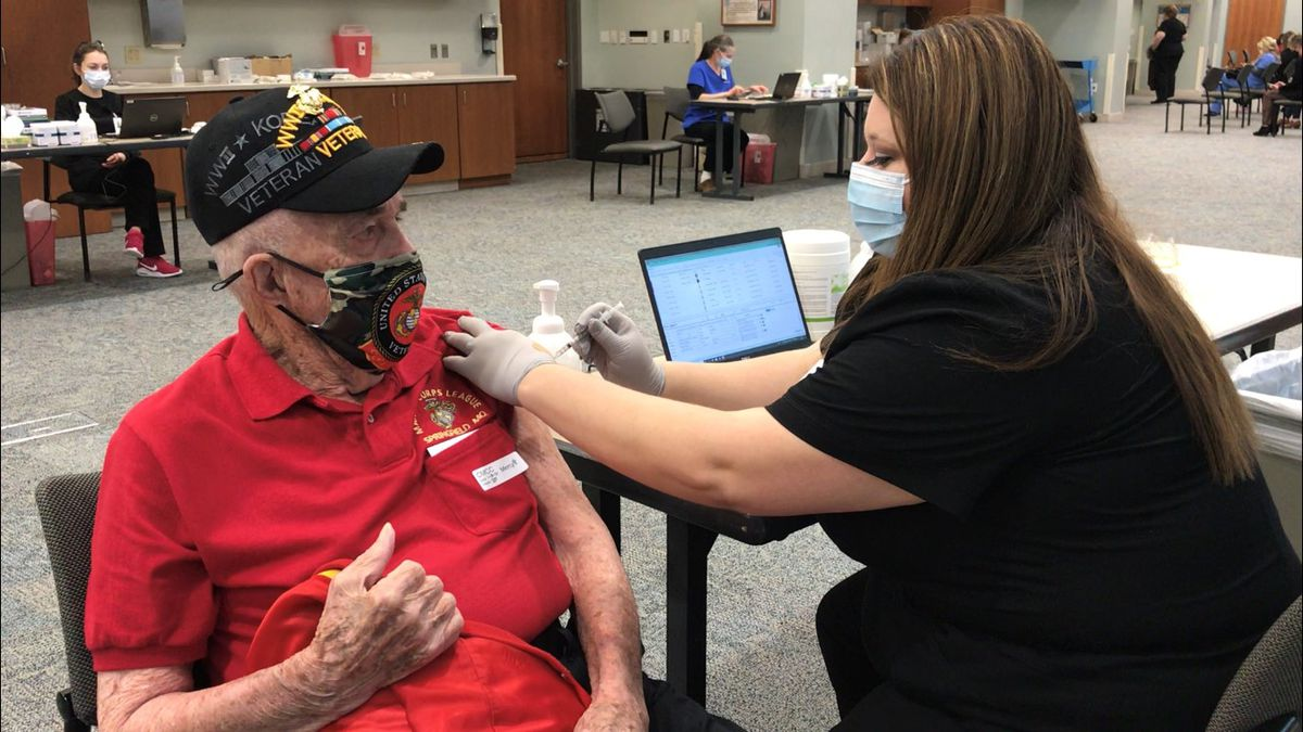 World War II veteran Edgar Fox is the first patient to receive a COVID-19 vaccine from Mercy...